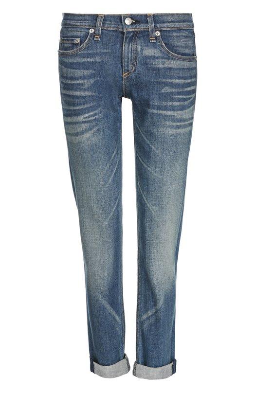 Джинсы Rag&amp;BoneДжинсы<br>Укороченные синие джинсы с отворотами изготовлены из эластичного хлопка с небольшими потертостями. Модель slim fit, с заниженной линией талии вошла в осенне-зимнюю коллекцию 2016 года. Нашим стилистам нравится сочетать с клетчатой рубашкой и светлыми кедами.<br><br>Российский размер RU: 46<br>Пол: Женский<br>Возраст: Взрослый<br>Размер производителя vendor: 28<br>Материал: Хлопок: 98%; Полиуретан: 2%;<br>Цвет: Синий