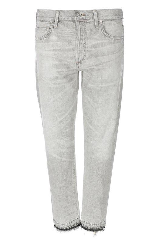 Джинсы Citizens Of HumanityДжинсы<br>Укороченные прямые джинсы с необработанным краем изготовлены из серого плотного хлопка с декоративными потертостями. Модель с классической посадкой на талии вошла в коллекцию сезона осень-зима 2016 года. Нам нравится сочетать с клетчатой блузой и белыми кроссовками.<br><br>Российский размер RU: 42<br>Пол: Женский<br>Возраст: Взрослый<br>Размер производителя vendor: 26<br>Материал: Хлопок: 100%;<br>Цвет: Серый