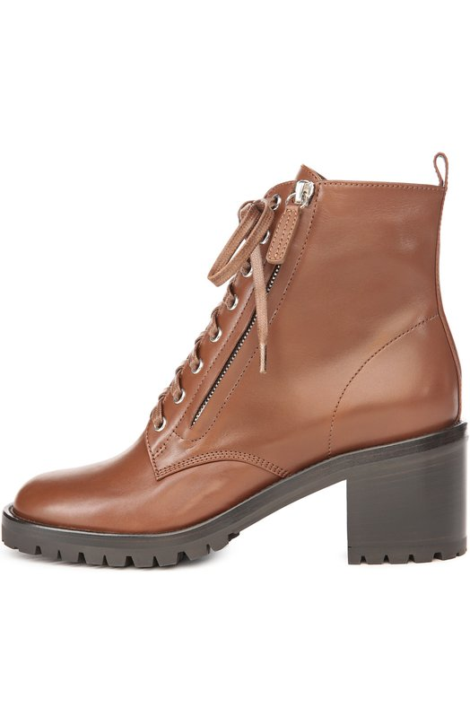 Кожаные ботинки на шнуровке Gianvito RossiБотинки<br>Ботинки на рельефной подошве и наборном каблуке средней высоты вошли в осенне-зимнюю коллекцию 2016 года. Мастера марки изготовили модель из гладкой мягкой кожи коричневого цвета. Джанвито Росси дополнил обувь функциональной шнуровкой и боковой молнией.<br><br>Российский размер RU: 41<br>Пол: Женский<br>Возраст: Взрослый<br>Размер производителя vendor: 41<br>Материал: Кожа натуральная: 100%; Стелька-кожа: 100%; Подошва-резина: 100%;<br>Цвет: Коричневый