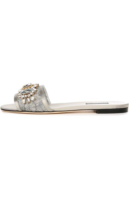 Кружевные шлепанцы Bianca с кристаллами Dolce &amp; GabbanaШлепанцы<br>В коллекцию сезона осень-зима 2016 года вошли сабо Bianca серебристого цвета. Для производства модели мастера марки использовали тонкое кружево на прочной сетчатой основе. Доменико Дольче и Стефано Габбана декорировали обувь разноцветными кристаллами Swarovski, выложенными в форме цветов.<br><br>Российский размер RU: 36<br>Пол: Женский<br>Возраст: Взрослый<br>Размер производителя vendor: 36-5<br>Материал: Текстиль: 100%; Стелька-кожа: 100%; Подошва-кожа: 100%;<br>Цвет: Серебряный