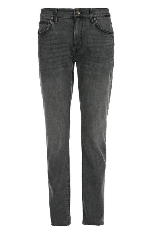 Джинсы из эластичного хлопка BOSSДжинсы<br>Темно-серые джинсы вошли в коллекцию сезона осень-зима 2016 года. Мастера бренда, основанного Хуго Фердинандом Боссом, изготовили брюки из плотного хлопка с добавлением эластичных нитей. Наши стилисты советуют сочетать с белыми кедами и футболкой.<br><br>Российский размер RU: 48<br>Пол: Мужской<br>Возраст: Взрослый<br>Размер производителя vendor: 33/34<br>Материал: Хлопок: 98%; Эластан: 2%;<br>Цвет: Серый