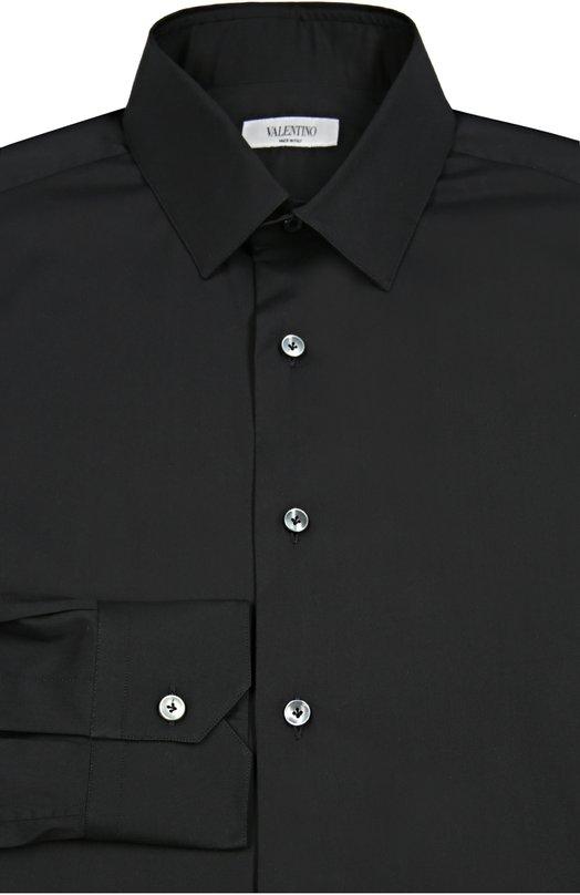 Сорочка с воротником кент ValentinoРубашки<br><br><br>Российский размер RU: 56<br>Пол: Мужской<br>Возраст: Взрослый<br>Размер производителя vendor: 44<br>Материал: Хлопок: 74%; Эластан: 3%; Полиамид: 23%;<br>Цвет: Черный