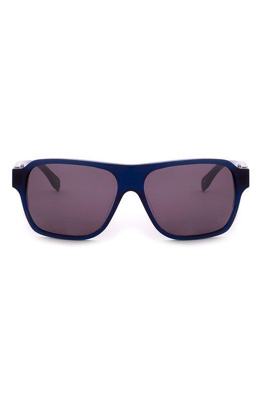 Солнцезащитные очки Alexander McQueenОчки<br>Мастера бренда, основанного Александром Маккуином, изготовили солнцезащитные очки из прочного ацетата синего цвета. Модель с серыми стеклами вошла в коллекцию сезона осень-зима 2016 года. Дужки декорированы тиснением в виде логотипа марки.<br><br>Пол: Мужской<br>Возраст: Взрослый<br>Размер производителя vendor: NS<br>Цвет: Синий