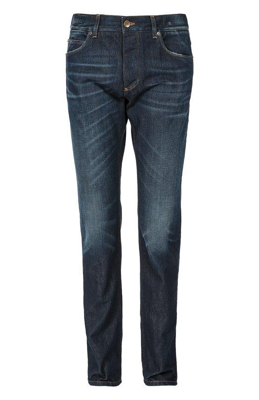 Джинсы с потертостями Dolce &amp; GabbanaДжинсы<br>Для производства синих джинсов Доменико Дольче и Стефано Габбана выбрали плотный гладкий хлопок синего цвета. Модель с небольшими потертостями в местах сгиба ткани вошла в коллекцию сезона осень-зима 2016 года. Наши стилисты рекомендуют сочетать с серой толстовкой и белыми кедами.<br><br>Российский размер RU: 46<br>Пол: Мужской<br>Возраст: Взрослый<br>Размер производителя vendor: 44<br>Материал: Хлопок: 100%;<br>Цвет: Темно-синий