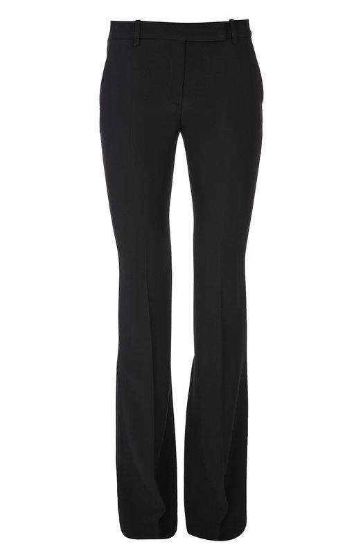 Расклешенные брюки со стрелками Alexander McQueenБрюки<br>Сара Бертон включила в коллекцию сезона осень-зима 2016 года брюки-клеш со стрелками. Мастера марки, основанной Александром Маккуином, сшили изделие из плотного крепа черного цвета. Модель дополнена задним и двумя боковыми врезными карманами.<br><br>Российский размер RU: 46<br>Пол: Женский<br>Возраст: Взрослый<br>Размер производителя vendor: 44<br>Материал: Вискоза: 50%; Ацетат: 50%;<br>Цвет: Черный