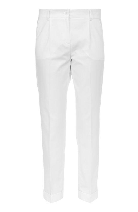 Хлопковые брюки прямого кроя со стрелками Dolce &amp; GabbanaБрюки<br>Доменико Дольче и Стефано Габбана включили укороченные брюки со стрелками в коллекцию сезона осень-зима 2016 года. Для изготовления модели прямого кроя использован мягкий хлопок стрейч белого цвета. Советуем сочетать со свитером и сабо в тон, а также с черной сумкой.<br><br>Российский размер RU: 48<br>Пол: Женский<br>Возраст: Взрослый<br>Размер производителя vendor: 46<br>Материал: Хлопок: 98%; Эластан: 2%;<br>Цвет: Белый
