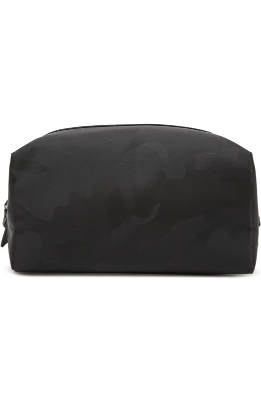 Несессер с камуфляжным принтом ValentinoДорожные сумки<br>Дизайнеры бренда включили черный несессер в осенне-зимнюю коллекцию бренда, основанного Валентино Гаравани. Модель на молнии выполнена из нейлонового жаккарда с камуфляжным мотивом. Изделие декорировано отделкой из гладкой мягкой кожи.<br><br>Пол: Мужской<br>Возраст: Взрослый<br>Размер производителя vendor: NS<br>Материал: Полиэстер: 100%; Отделка кожа натуральная: 100%;<br>Цвет: Черный
