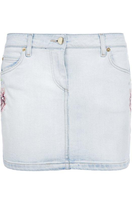 Джинсовая мини-юбка с цветочной вышивкой Roberto CavalliЮбки<br>Короткая джинсовая юбка с четырьмя карманами выполнена из плотного эластичного хлопка. Модель, украшенная вручную цветочной вышивкой, вошла в осенне-зимнюю коллекцию марки, основанной Роберто Кавалли. Рекомендуем сочетать с рубашкой в тон, белыми кедами и бежевой сумкой.<br><br>Российский размер RU: 46<br>Пол: Женский<br>Возраст: Взрослый<br>Размер производителя vendor: 44<br>Материал: Хлопок: 98%; Эластан: 2%;<br>Цвет: Синий