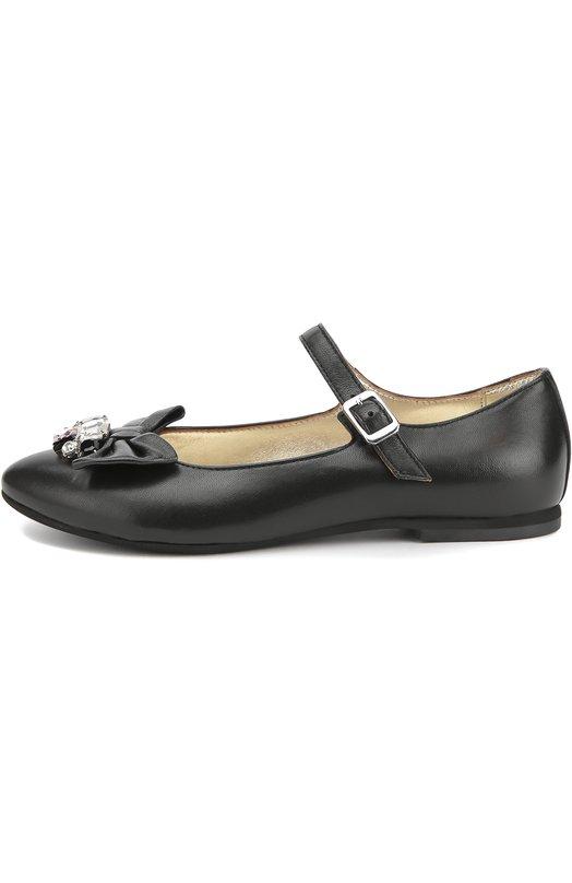 Кожаные туфли с бантом и кристаллами MonnalisaТуфли<br>В коллекцию сезона осень-зима 2016 года вошли туфли из мелкозернистой мягкой кожи черного цвета. Мыс украшен бантом в тон и прозрачными кристаллами разной формы. Обувь на тонкой подошве и небольшом каблуке фиксируется на ноге с помощью тонкого ремешка.<br><br>Российский размер RU: 36<br>Пол: Женский<br>Возраст: Детский<br>Размер производителя vendor: 36<br>Материал: Кожа натуральная: 100%; Стелька-кожа: 100%; Подошва-резина: 100%;<br>Цвет: Черный