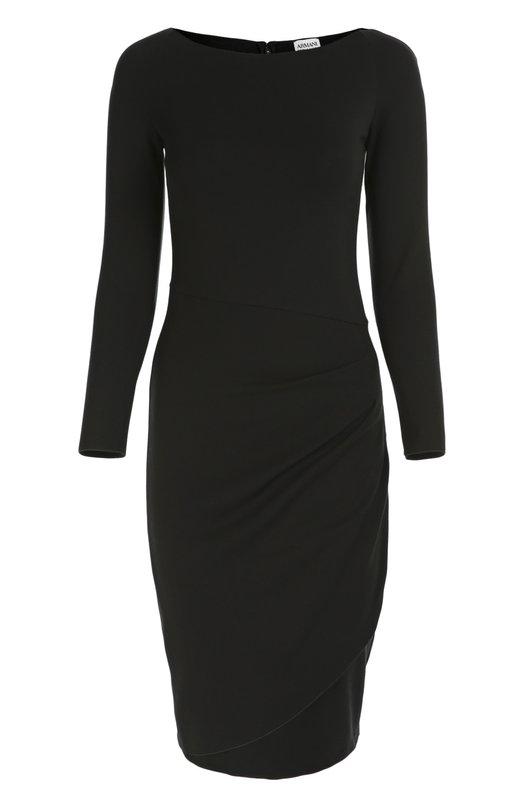 Облегающее платье с вырезом-лодочка и драпировкой Armani CollezioniПлатья<br>Джорджио Армани включил в коллекцию сезона осень-зима 2016 года платье с длинными рукавами и вырезом-лодочкой. Облегающая модель из мягкой и эластичной вискозы черного цвета декорирована мягкой драпировкой на левом бедре. Рекомендуем носить с туфлями-лодочками в тон.<br><br>Российский размер RU: 52<br>Пол: Женский<br>Возраст: Взрослый<br>Размер производителя vendor: 50<br>Материал: Вискоза: 77%; Эластан: 6%; Полиамид: 17%;<br>Цвет: Черный