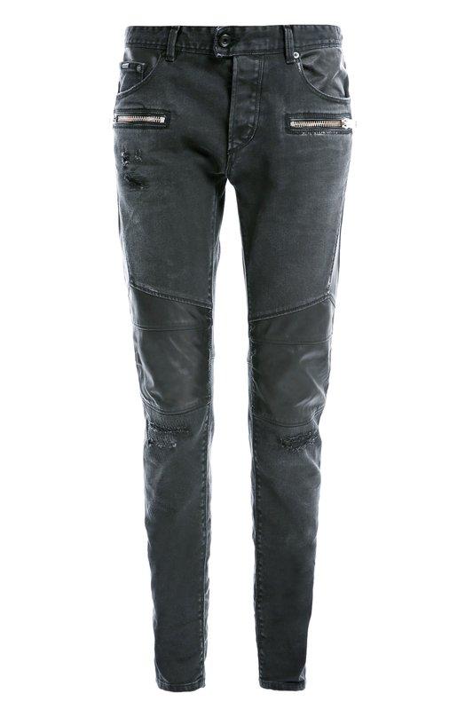 Джинсы скинни с накладными молнияим Just CavalliДжинсы<br>Черные облегающие джинсы вошли в коллекцию сезона осень-зима 2016 года. Модель из плотного гладкого хлопка дополнена кожаными вставками на бедрах. Два из пяти передних кармана застегиваются на молнии. Нам нравится сочетать с полуботинками в тон и серым свитером.<br><br>Российский размер RU: 48<br>Пол: Мужской<br>Возраст: Взрослый<br>Размер производителя vendor: 46<br>Материал: Хлопок: 98%; Эластан: 2%;<br>Цвет: Черный