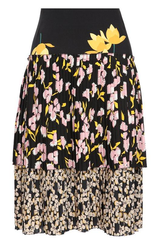 Шелковая плиссированная юбка с цветочным принтом MarniЮбки<br>В коллекцию сезона осень-зима 2016 года вошла расклешенная юбка, застегивающаяся на молнию сбоку. Для пошива модели использована комбинация мягкого черного креп-шелка с тремя цветочными принтами: для кокетки – Dawntreader, для плиссированного волана – Sistowbell, для нижнего слоя – Strawflower.<br><br>Российский размер RU: 40<br>Пол: Женский<br>Возраст: Взрослый<br>Размер производителя vendor: 38<br>Материал: Шелк: 100%;<br>Цвет: Черный