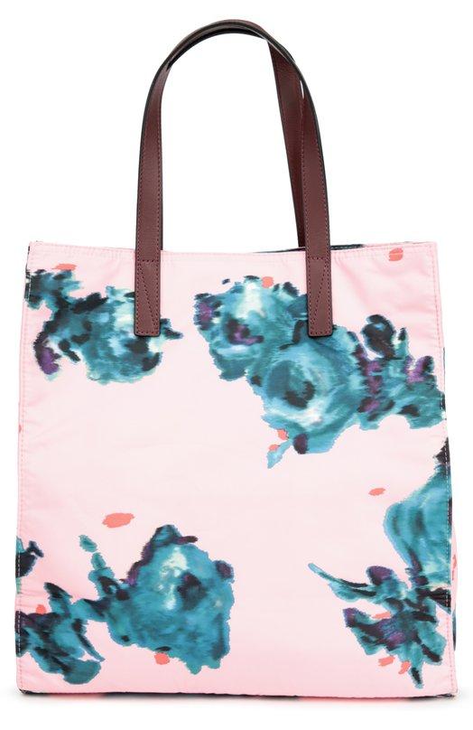 Сумка-тоут B.Y.O.T. Brocade Floral с принтом Marc JacobsЖенские сумки<br>Марк Джейкобс включил в коллекцию сезона осень-зима 2016 года розовую сумку-шопер. Аксессуар из непромокаемого нейлона с цветочным принтом дополнен двумя бордовыми кожаными ручками. В основное отделение, закрывающееся на кнопку, поместятся зонт, бумаги формата А4.<br><br>Пол: Женский<br>Возраст: Взрослый<br>Размер производителя vendor: NS<br>Материал: Полиэстер: 100%; Отделка кожа натуральная: 100%;<br>Цвет: Розовый