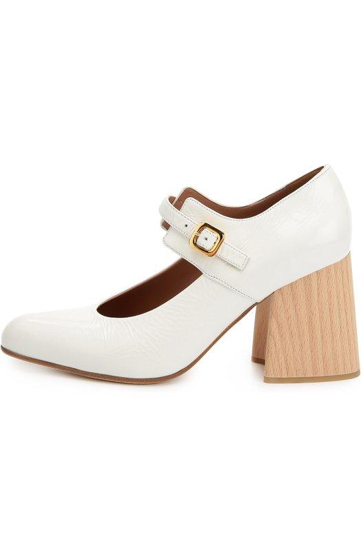 Кожаные туфли на фигурном каблуке MarniТуфли<br>Консуэло Кастильони включила в коллекцию сезона осень-зима 2016 года туфли mary jane на устойчивом фигурном каблуке из буковой древесины. Модель с зауженным мысом сшита вручную из белой лаковой кожи. Обувь фиксируется на щиколотке узким ремешком с металлической пряжкой.<br><br>Российский размер RU: 39<br>Пол: Женский<br>Возраст: Взрослый<br>Размер производителя vendor: 39<br>Материал: Кожа натуральная: 100%; Стелька-кожа: 100%; Подошва-кожа: 100%;<br>Цвет: Белый