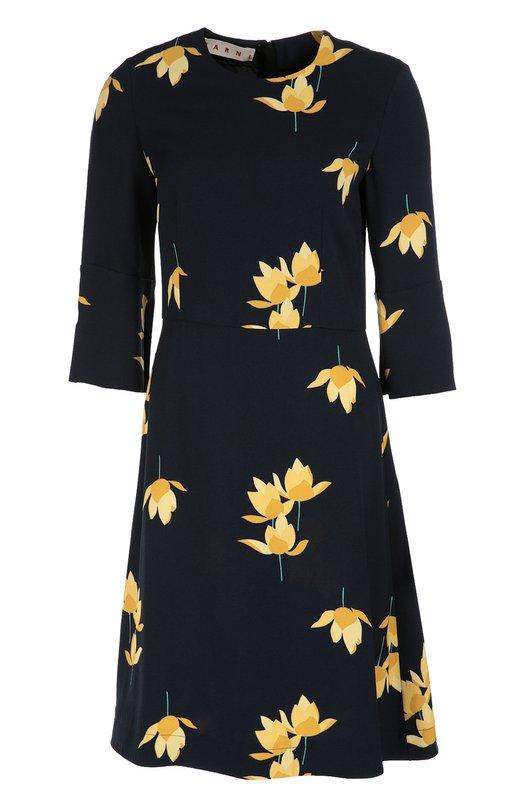 Приталенное платье с укороченным рукавом и цветочным принтом MarniПлатья<br>Мастера бренда выполнили темно-синее приталенное платье из плотной гладкой вискозы с контрастным цветочным рисунком. Модель с круглым вырезом вошла в коллекцию сезона осень-зима 2016 года. Наши стилисты рекомендуют носить с черными туфлями и сумкой.<br><br>Российский размер RU: 40<br>Пол: Женский<br>Возраст: Взрослый<br>Размер производителя vendor: 38<br>Материал: Вискоза: 100%; Подкладка-шелк: 100%;<br>Цвет: Темно-синий