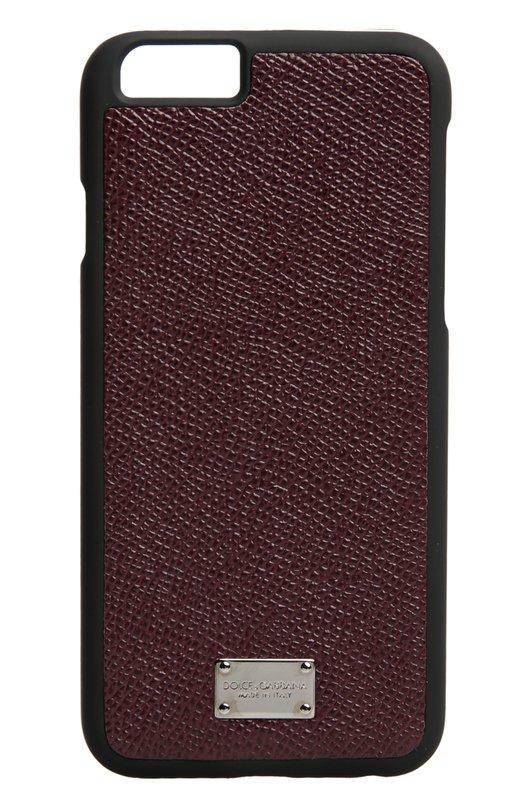 Кожаный чехол для iPhone 6/6S Dolce &amp; GabbanaЧехлы для iPhone<br>Доменико Дольче и Стефано Габбана включили в коллекцию сезона осень-зима 2016 года чехол для iPhone 6/6S, изготовленный из прочного прорезиненного пластика. Аксессуар, дополненный вставкой из бордовой кожи с тиснением Dauphine, украшен металлической пластиной с выгравированным логотипом марки.<br><br>Пол: Женский<br>Возраст: Взрослый<br>Размер производителя vendor: NS<br>Материал: Кожа натуральная: 81%; Пластик: 19%;<br>Цвет: Бордовый