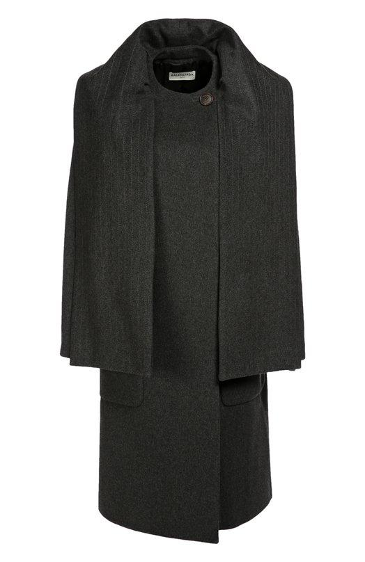 Кашемировое пальто прямого кроя с воротом-шарфом BalenciagaПальто и плащи<br>Серое пальто с двумя накладными карманами сшито из мягкого кашемира. В воротник вшит длинный широкий шарф, украшенный вертикальной строчкой в тон. Модель прямого кроя вошла в осенне-зимнюю коллекцию марки, основанной Кристобалем Баленсиагой. Попробуйте носить с темными брюками, ботинками и яркой сумкой.<br><br>Российский размер RU: 42<br>Пол: Женский<br>Возраст: Взрослый<br>Размер производителя vendor: 36<br>Материал: Кашемир: 100%; Подкладка-купра: 100%;<br>Цвет: Серый