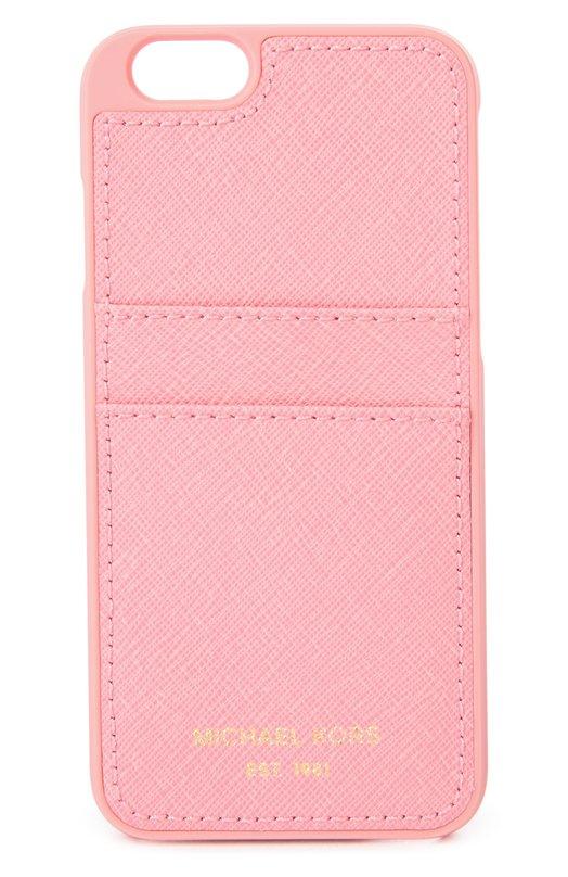 Чехол для iPhone 6/6s из сафьяновой кожи Michael Michael KorsЧехлы для iPhone<br>Майкл Корс включил в осенне-зимнюю коллекцию 2016 года розовый чехол для iPhone 6/6s с открытым доступом к элементам управления. Накладка из прочной сафьяновой кожи, не подверженной царапинам, закреплена на пластиковой панели. Аксессуар дополнен двумя слотами.<br><br>Пол: Женский<br>Возраст: Взрослый<br>Размер производителя vendor: NS<br>Материал: Поликарбонат: 75%; Кожа натуральная: 25%;<br>Цвет: Розовый