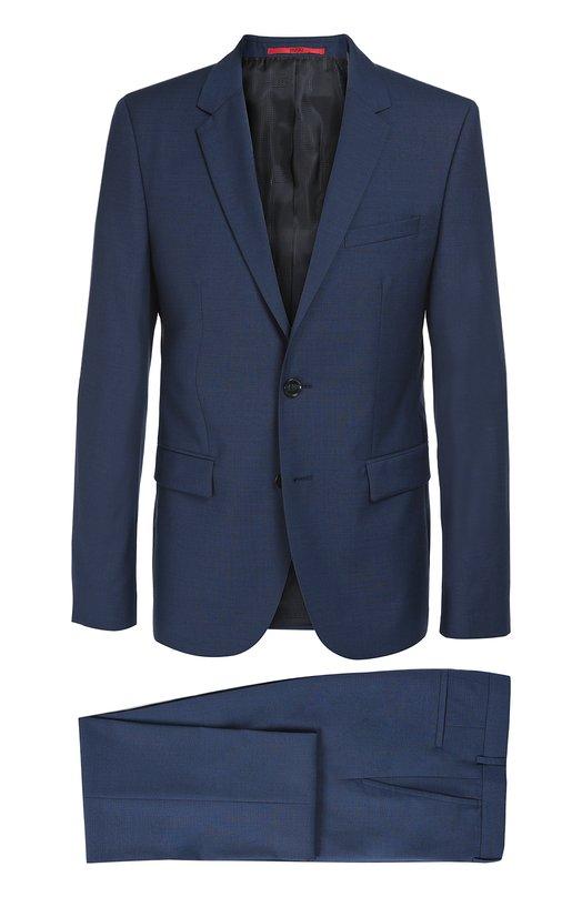 Шерстяной костюм с пиджаком на двух пуговицах HUGOКостюмы<br>Мастера марки использовали для создания костюма, состоящего из пиджака и зауженных брюк со стрелками, тонкую шерсть темно-синего цвета. Пиджак с зауженными лацканами дополнен двумя боковыми и одним нагрудным карманами. Наши стилисты рекомендуют сочетать с черной рубашкой и туфлями в тон.<br><br>Российский размер RU: 54<br>Пол: Мужской<br>Возраст: Взрослый<br>Размер производителя vendor: 54<br>Материал: Шерсть: 100%;<br>Цвет: Темно-синий