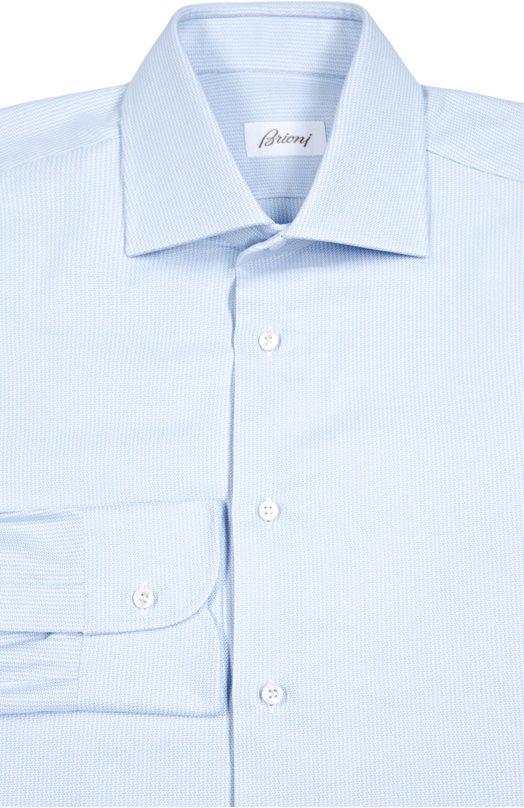 Хлопковая сорочка с узором BrioniРубашки<br>Для создания рубашки использован мягкий премиум-хлопок с голубым, едва заметным микроузором. Модель с длинными рукавами и воротником акула вошла в коллекцию сезона осень-зима 2016 года. Изделие, скроенное и сшитое мастерами марки вручную, застегивается на белые перламутровые пуговицы.<br><br>Российский размер RU: 42<br>Пол: Мужской<br>Возраст: Взрослый<br>Размер производителя vendor: 42<br>Материал: Хлопок: 100%;<br>Цвет: Голубой