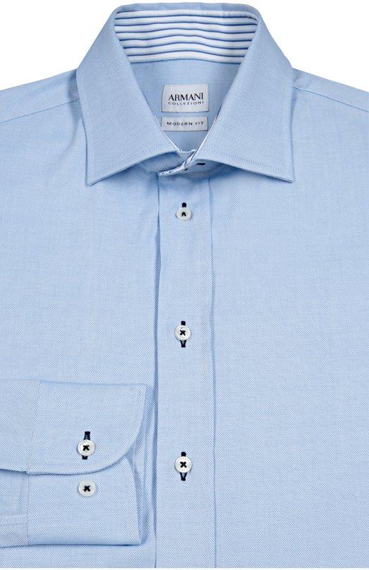 Сорочка из фактурного хлопка Armani CollezioniРубашки<br>Голубая рубашка прямого кроя вошла в осенне-зимнюю коллекцию бренда, основанного Джорджио Армани. Модель с воротником акула выполнена из тонкого фактурного хлопка. Петли обшиты контрастной нитью. Рекомендуем сочетать с темным костюмом, синим галстуком и черными оксфордами.<br><br>Российский размер RU: 44<br>Пол: Мужской<br>Возраст: Взрослый<br>Размер производителя vendor: 44<br>Материал: Хлопок: 100%;<br>Цвет: Голубой