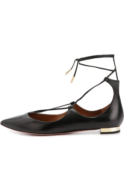 Кожаные балетки Christy на шнуровке AquazzuraБалетки<br>Балетки Christy на небольшом позолоченном каблуке, с высоким задником и зауженным мысом вошли в коллекцию сезона осень-зима 2016 года. Мастера марки создали модель из матовой гладкой кожи черного цвета. Обувь фиксируется на ноге тонкими перекрещивающимися шнурками, завязывающимися на щиколотке.<br><br>Российский размер RU: 37<br>Пол: Женский<br>Возраст: Взрослый<br>Размер производителя vendor: 37-5<br>Материал: Кожа натуральная: 100%; Стелька-кожа: 100%; Подошва-кожа: 100%;<br>Цвет: Черный
