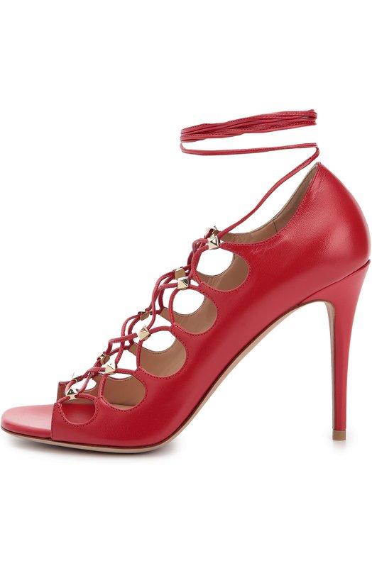Кожаные босоножки Rockstud Gladiator на шнуровке ValentinoБосоножки<br>Красные босоножки из матовой кожи шевро вошли в осенне-зимнюю коллекцию марки, основанной Валентино Гаравани. Обувь надежно фиксируется на ноге при помощи длинных перекрестных шнурков, продетых в металлические шипы-пирамиды с платиновым напылением.<br><br>Российский размер RU: 38<br>Пол: Женский<br>Возраст: Взрослый<br>Размер производителя vendor: 38-5<br>Материал: Кожа натуральная: 100%; Стелька-кожа: 100%; Подошва-кожа: 100%;<br>Цвет: Красный