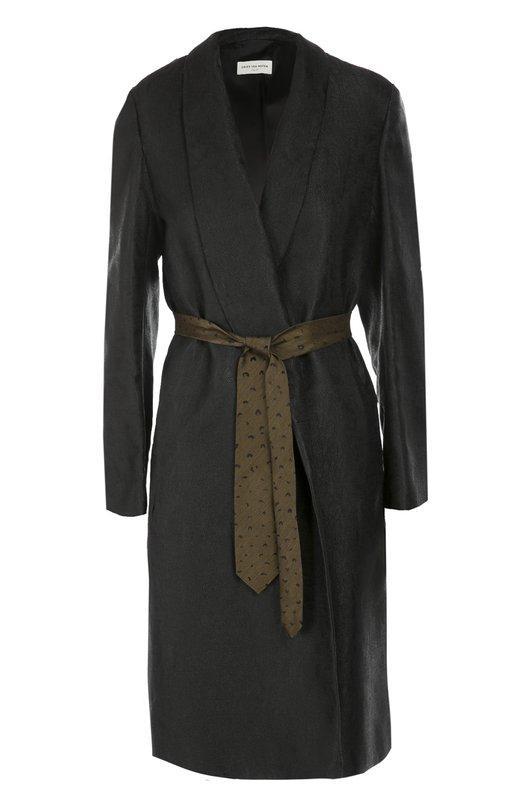 Пальто прямого кроя с контрастным поясом Dries Van NotenПальто и плащи<br>Черное пальто с запахом вошло в осенне-зимнюю коллекцию 2016 года. Для создания модели прямого кроя мастера марки использовали мягкую вискозу с легким блеском и едва заметным фактурным узором. Дрис Ван Нотен дополнил изделие широким текстильным поясом с фулярным рисунком, стилизованным под галстук.<br><br>Российский размер RU: 44<br>Пол: Женский<br>Возраст: Взрослый<br>Размер производителя vendor: 36<br>Материал: Вискоза: 51%; Полиэстер: 49%;<br>Цвет: Черный