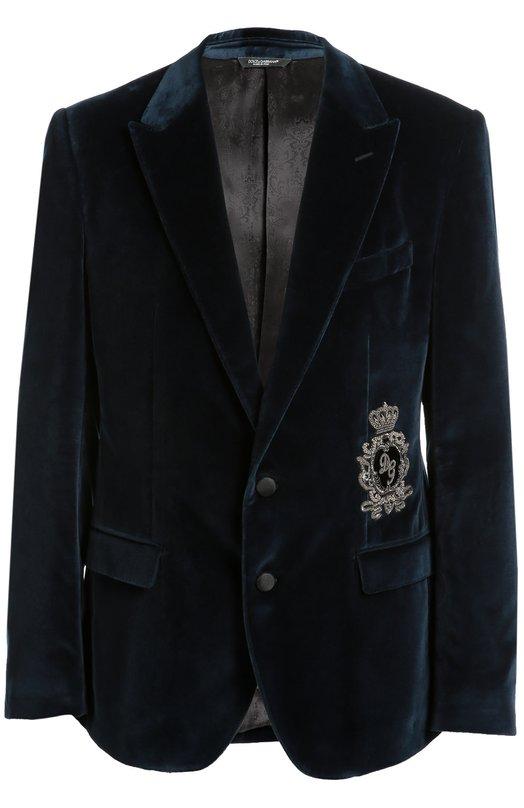 Бархатный пиджак с заостренными лацканами и нашивкой Dolce &amp; GabbanaПиджаки<br>&amp;bull; Москва 1 550 EUR (108 500 RUB)&amp;bull; Милан 1 750 EUR&amp;bull; Лондон 1 722 EUR (1 550 GBP)&amp;bull; Дубай 2 400 EUR (9 720 AED)Синий пиджак из плотного бархата вошел в коллекцию сезона осень-зима 2016 года. Доменико Дольче и Стефано Габбана декорировали приталенную модель с тремя карманами и остроконечными лацканами короной, вышитой металлизированной нитью и кристаллами.<br><br>Российский размер RU: 46<br>Пол: Мужской<br>Возраст: Взрослый<br>Размер производителя vendor: 44<br>Материал: Подкладка-вискоза: 58%; Подкладка-купра: 42%; Хлопок: 100%;<br>Цвет: Темно-синий