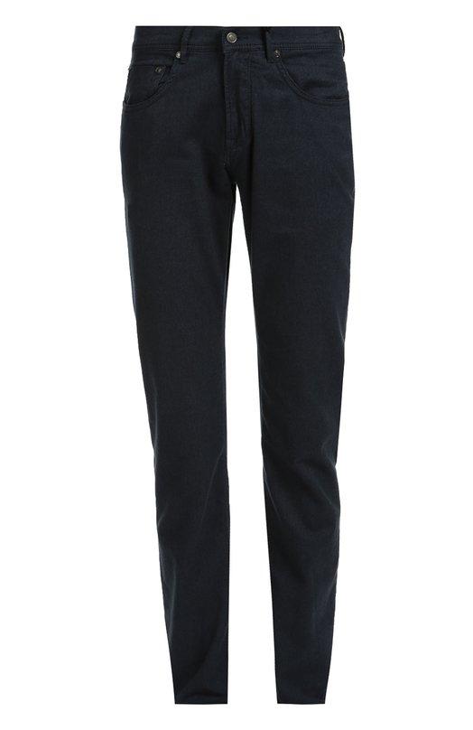 Джинсы прямого кроя из эластичного хлопка BaldessariniДжинсы<br>Для создания модели Jack использована эластичная ткань из хлопка кольцевого прядения, которое придает нитям прочность и неоднородность по толщине. Синие джинсы вошли в осенне-зимнюю коллекцию 2016 года. Пояс дополнен кожаной нашивкой с логотипом бренда.<br><br>Российский размер RU: 58<br>Пол: Мужской<br>Возраст: Взрослый<br>Размер производителя vendor: 40-34<br>Материал: Хлопок: 98%; Эластан: 2%;<br>Цвет: Синий