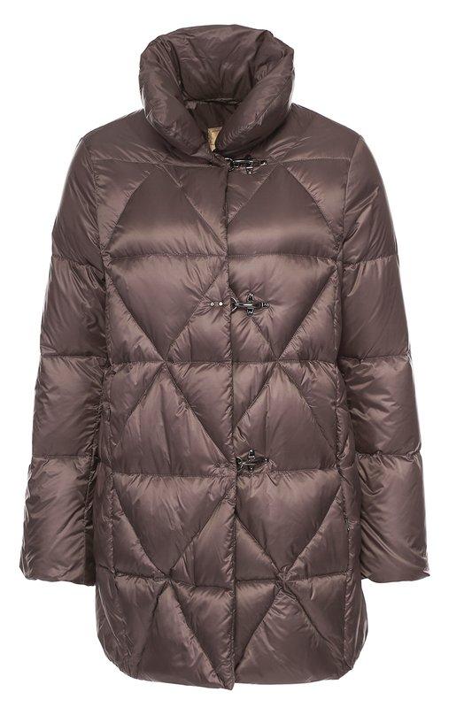 Стеганый пуховик с высоким воротником FayКуртки<br>В коллекцию сезона осень-зима 2016 года вошла стеганая удлиненная куртка, утепленная пухом и пером. Стеганое пальто с высоким воротником и двумя боковыми карманами сшито из водоотталкивающего материала коричневого цвета. Модель застегивается на потайную молнию.<br><br>Российский размер RU: 48<br>Пол: Женский<br>Возраст: Взрослый<br>Размер производителя vendor: L<br>Материал: Пух: 80%; Перо: 20%; Полиамид: 100%; Подкладка-полиамид: 100%;<br>Цвет: Коричневый