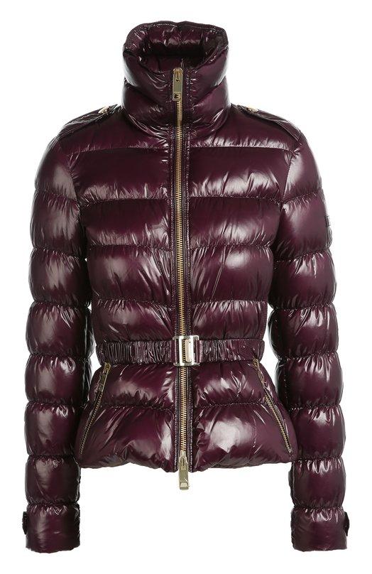 Стеганая куртка с поясом и высоким воротником Burberry BritКуртки<br>Короткий пуховик изготовлен из прочного непромокаемого текстиля темно-фиолетового цвета. Модель с высоким воротником-стойкой вошла в осенне-зимнюю коллекцию марки, основанной Томасом Берберри. Изделие, утепленное легким пухом и пером, дополнено поясом-резинкой с металлической пряжкой.<br><br>Российский размер RU: 40<br>Пол: Женский<br>Возраст: Взрослый<br>Размер производителя vendor: XS<br>Материал: Пух: 80%; Подкладка-ацетат: 56%; Подкладка-купра: 44%; Перо: 20%; Полиамид: 100%;<br>Цвет: Темно-фиолетовый