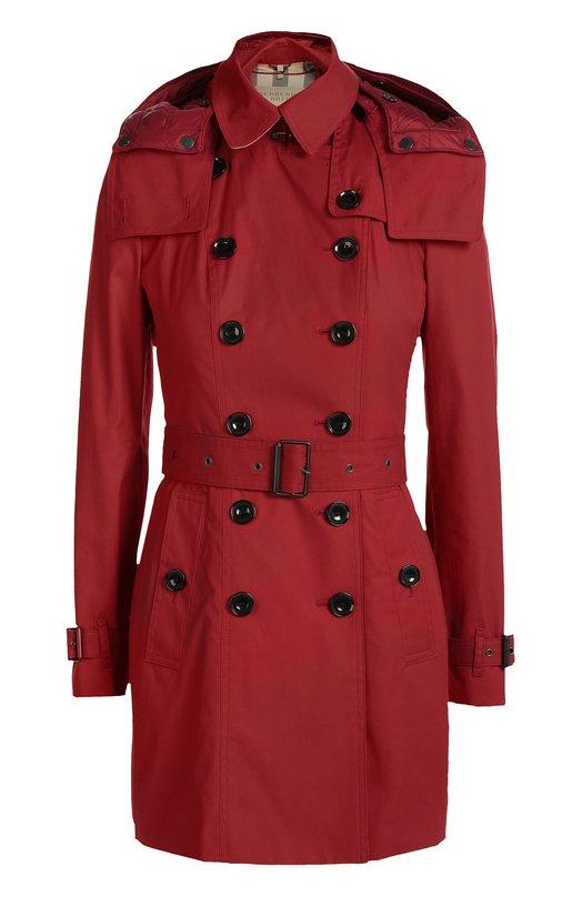 Двубортный плащ с поясом и капюшоном Burberry BritКуртки<br>Мастера марки изготовили короткий тренч из прочного красного габардина, технологию которого Томас Берберри изобрел в 1859 году. Модель из осенне-зимней коллекции 2016 года дополнена капюшоном и широким поясом. Рекомендуем носить со светлым топом, синими джинсами, черными ботинками и серебристой сумкой.<br><br>Российский размер RU: 44<br>Пол: Женский<br>Возраст: Взрослый<br>Размер производителя vendor: 10<br>Материал: Хлопок: 100%; Подкладка-хлопок: 100%;<br>Цвет: Красный