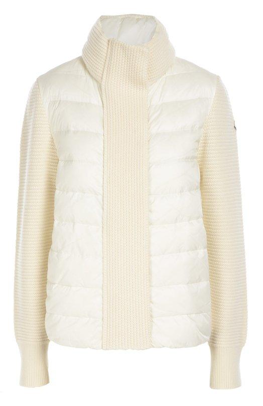 Вязаная куртка с утепленной вставкой и высоким воротником MonclerКуртки<br>Для изготовления стеганой куртки из осенне-зимней коллекции 2016 года использован легкий водоотталкивающий текстиль белого цвета. Воротник, планка и длинные рукава связаны из мягкой шерстяной пряжи в тон основному материалу. Модель, утепленная пухом, застегивается на потайную молнию.<br><br>Российский размер RU: 46<br>Пол: Женский<br>Возраст: Взрослый<br>Размер производителя vendor: M<br>Материал: Пух: 90%; Полиамид: 100%; Подкладка-полиамид: 100%; Отделка-шерсть: 100%; Перо: 10%;<br>Цвет: Белый
