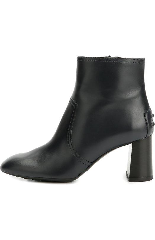 Кожаные ботильоны Gomma на фигурном каблуке Tod'sБотильоны<br>Темно-синие ботильоны на каблуке средней высоты, расширяющемся книзу, вошли в коллекцию сезона осень-зима 2016 года. Для создания модели Gomma использована матовая кожа. Задник украшен круглыми резиновыми шипами по аналогии со знаковыми для марки мокасинами. Обувь застегивается на боковую молнию.<br><br>Российский размер RU: 36<br>Пол: Женский<br>Возраст: Взрослый<br>Размер производителя vendor: 36<br>Материал: Кожа натуральная: 100%; Стелька-кожа: 100%; Подошва-резина: 100%;<br>Цвет: Темно-синий