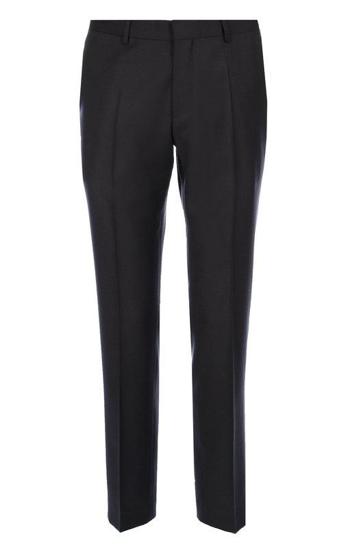 Шерстяные брюки зауженного кроя BOSSБрюки<br>Дизайнер бренда, основанного Хуго Фердинандом Боссом, выбрал для производства брюк с зауженным кроем плотную гладкую шерсть. Модель с двумя боковыми и задними карманами вошла в коллекцию сезона осень-зима 2016 года. Советуем сочетать с серыми рубашкой и пуловером, а также с черными кедами.<br><br>Российский размер RU: 60<br>Пол: Мужской<br>Возраст: Взрослый<br>Размер производителя vendor: 60<br>Материал: Шерсть: 100%;<br>Цвет: Темно-синий