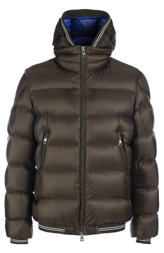 Стеганый пуховик с капюшоном MonclerКуртки<br>Стеганая куртка Jeanbart цвета хаки, с двумя боковыми карманами, высоким воротником-стойкой и капюшоном вошла в осенне-зимнюю коллекцию 2016 года. Модель из гладкого ультратонкого нейлона с влагоотталкивающей пропиткой утеплена отборным пухом.<br><br>Российский размер RU: 48<br>Пол: Мужской<br>Возраст: Взрослый<br>Размер производителя vendor: 5<br>Материал: Пух: 90%; Полиамид: 100%; Подкладка-полиамид: 100%; Перо: 10%;<br>Цвет: Хаки