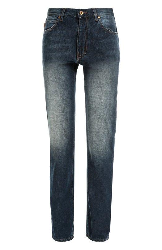 Джинсы прямого кроя с потертостями Armani JeansДжинсы<br>В осенне-зимнюю коллекцию марки, основанной Джорджио Армани, вошли синие джинсы прямого кроя. Модель из плотного хлопка декорирована потертостями в области бедер и карманов. Наши стилисты рекомендуют сочетать с пуловером, пуховиком и ботинками.<br><br>Российский размер RU: 54<br>Пол: Мужской<br>Возраст: Взрослый<br>Размер производителя vendor: 36-34<br>Материал: Хлопок: 100%;<br>Цвет: Синий