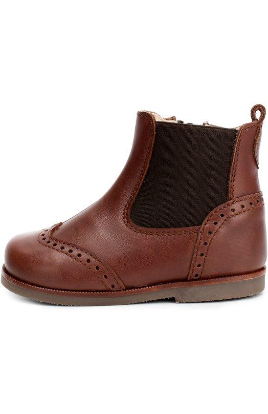 Кожаные ботинки с перфорацией BeberlisБотинки<br>Коричневые ботинки из матовой кожи вошли в осенне-зимнюю коллекцию 2016 года. Мыс и задник украшены перфорированными узорами. Модель с боковой эластичной вставкой застегивается сбоку на молнию, защищенную от случайного расстегивания ремешком с металлической кнопкой.<br><br>Российский размер RU: 18<br>Пол: Мужской<br>Возраст: Детский<br>Размер производителя vendor: 18<br>Материал: Кожа натуральная: 100%; Стелька-кожа: 100%; Подошва-резина: 100%; Отделка-текстиль: 100%;<br>Цвет: Коричневый
