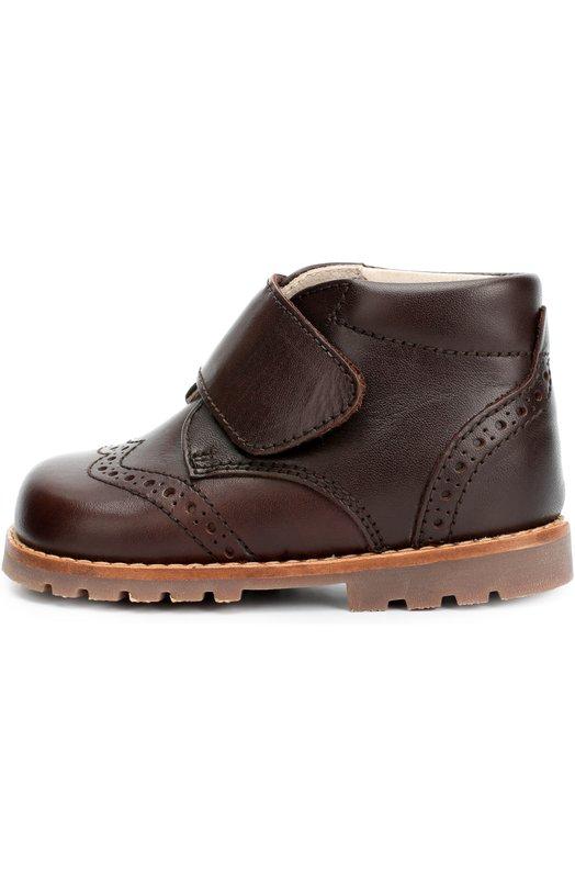 Кожаные ботинки с перфорацией BeberlisБотинки<br>При создании высоких ботинок с перфорацией мастера марки использовали матовую мягкую кожу коричневого цвета. Модель из коллекции сезона осень-зима 2016 года надежно фиксируется на ноге ремешком с застежкой велькро. Широкая подошва дополнена глубоким протектором, предотвращающим скольжение.<br><br>Российский размер RU: 24<br>Пол: Мужской<br>Возраст: Детский<br>Размер производителя vendor: 24<br>Материал: Кожа натуральная: 100%; Стелька-кожа: 100%; Подошва-резина: 100%;<br>Цвет: Коричневый