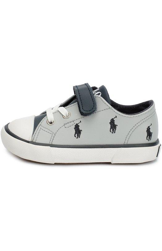 Кожаные кеды с вышивкой Polo Ralph LaurenСпортивная обувь<br>Кеды Kody изготовлены из гладкой кожи трех цветов: серого, синего и белого. Ральф Лорен украсил обувь контрастной вышивкой в виде игрока в поло. Изделие фиксируется на ноге с помощью застежки велькро и резинки, продетой в люверсы на манер шнуровки. Модель вошла в коллекцию сезона осень-зима 2016 года.<br><br>Российский размер RU: 20<br>Пол: Мужской<br>Возраст: Детский<br>Размер производителя vendor: 20<br>Материал: Кожа натуральная: 100%; Подошва-резина: 100%; Стелька-текстиль: 100%;<br>Цвет: Серый