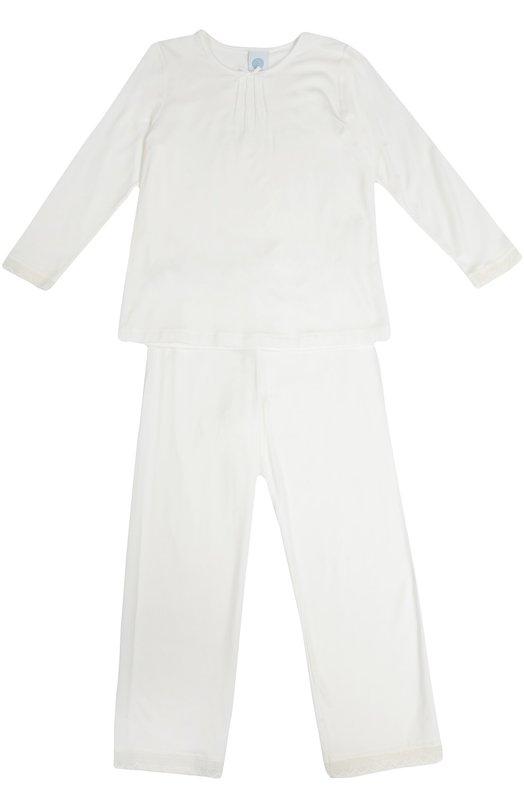 Пижама с кружевной отделкой и принтом SanettaБельё<br>Дизайнеры марки включили пижаму кремового цвета в осенне-зимнюю коллекцию 2016 года. Топ с длинным рукавом украшен четырьмя фактурными швами и небольшим бантом на горловине. Прямые брюки дополнены широкой резинкой на поясе. Комплект сшит из мягкого эластичного материала.<br><br>Размер Years: 17<br>Пол: Женский<br>Возраст: Детский<br>Размер производителя vendor: 176cm<br>Материал: Вискоза: 94%; Эластан: 6%;<br>Цвет: Кремовый