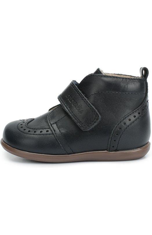 Кожаные ботинки с перфорацией BeberlisБотинки<br>В коллекцию сезона осень-зима 2016 года вошли ботинки, сшитые вручную из матовой зерненой кожи синего цвета. Модель, украшенная перфорацией, застегивается на ремешок с застежкой велькро, поэтому обувь хорошо сидит на ноге с высоким подъемом. Ортопедическая колодка обеспечивает комфортную посадку.<br><br>Российский размер RU: 18<br>Пол: Женский<br>Возраст: Детский<br>Размер производителя vendor: 18<br>Материал: Кожа натуральная: 100%; Стелька-кожа: 100%; Подошва-резина: 100%;<br>Цвет: Синий