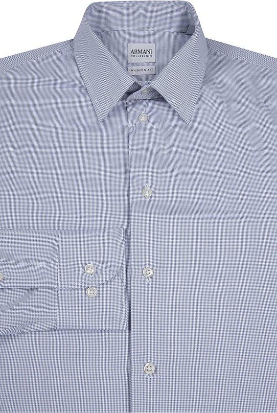 Хлопковая рубашка в мелкую клетку Armani CollezioniРубашки<br>Джорджио Армани включил в коллекцию сезона осень-зима 2016 года рубашку в мелкую синюю клетку. Модель с воротником кент и длинными рукавами сшита из мягкого хлопка поплина. Советуем носить с джинсами, синим галстуком, темным жилетом и коричневыми дерби.<br><br>Российский размер RU: 41<br>Пол: Мужской<br>Возраст: Взрослый<br>Размер производителя vendor: 41<br>Материал: Хлопок: 100%;<br>Цвет: Синий