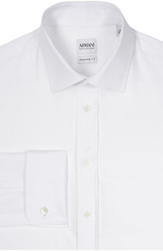 Хлопковая сорочка с воротником кент Armani CollezioniРубашки<br>Для производства белой сорочки мастера бренда использовали плотный фактурный хлопок. Модель из коллекции сезона осень-зима 2016 года дополнена воротником кент. Длинные рукава застегиваются на запонки. Рекомендуем сочетать с темным костюмом, серым галстуком и черными дерби.<br><br>Российский размер RU: 40<br>Пол: Мужской<br>Возраст: Взрослый<br>Размер производителя vendor: 40<br>Материал: Хлопок: 100%;<br>Цвет: Белый