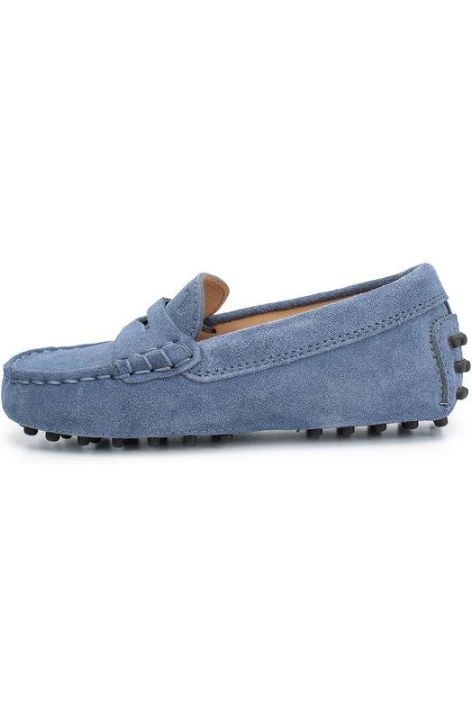 Замшевые мокасины с перемычкой Tod'sМокасины<br>Голубые мокасины из мягкой замши украшены тисненным логотипом бренда и перемычкой с фигурным вырезом. Гибкая подошва и задник дополнены круглыми резиновыми шипами. Похожая модель есть в мужской коллекции сезона осень-зима 2016 года, поэтому обувь можно использовать для создания образа family look.<br><br>Российский размер RU: 24<br>Пол: Мужской<br>Возраст: Детский<br>Размер производителя vendor: 24<br>Материал: Стелька-кожа: 100%; Подошва-резина: 100%; Замша натуральная: 100%;<br>Цвет: Голубой