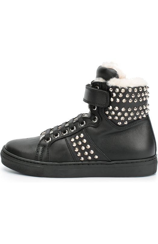 Высокие кожаные кеды с заклепками GallucciСпортивная обувь<br>Высокие черные кеды из гладкой матовой кожи, на молнии украшены металлическими заклепками. Узкий ремешок с застежкой велькро регулирует ширину обуви на щиколотке. Модель, утепленная овчиной, вошла в коллекцию сезона осень-зима 2016 года.<br><br>Российский размер RU: 32<br>Пол: Мужской<br>Возраст: Детский<br>Размер производителя vendor: 32<br>Материал: Кожа натуральная: 100%; Подошва-резина: 100%; Стелька-овчина: 100%;<br>Цвет: Черный