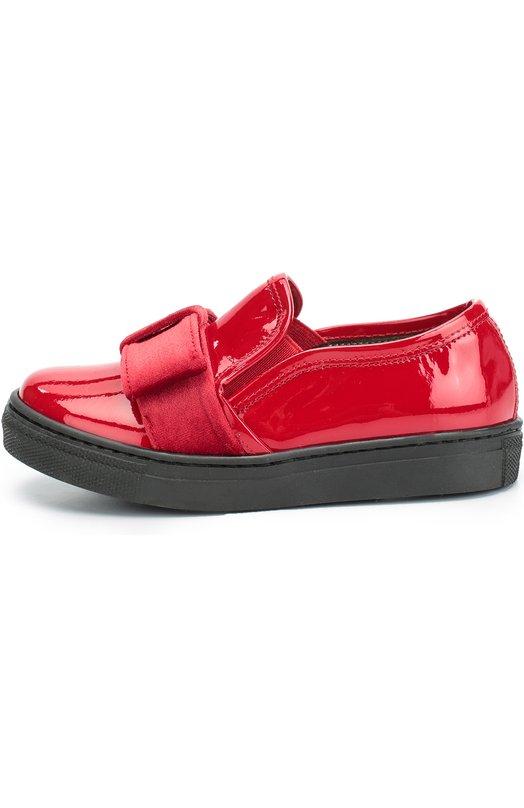 Лаковые слипоны с бантом GallucciСпортивная обувь<br>Красные слипоны на широкой резиновой подошве черного цвета вошли в коллекцию сезона осень-зима 2016 года. Модель, декорированная вставкой с бантом из мягкого бархата, выполнена из гладкой лакированной кожи.<br><br>Российский размер RU: 30<br>Пол: Женский<br>Возраст: Детский<br>Размер производителя vendor: 30<br>Материал: Кожа натуральная: 100%; Стелька-кожа: 100%; Подошва-резина: 100%; Отделка-текстиль: 100%;<br>Цвет: Красный