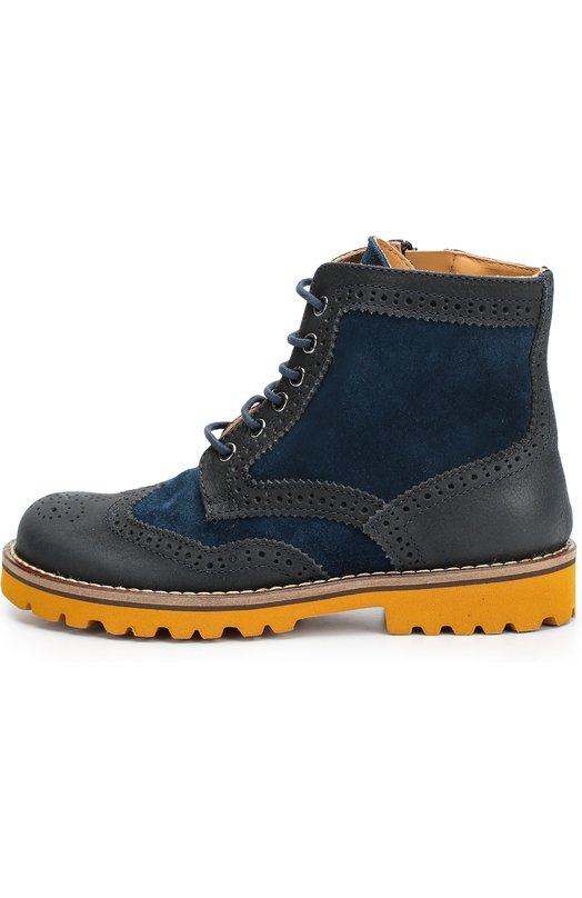 Комбинированные ботинки с перфорацией GallucciБотинки<br>Ботинки на широкой подошве контрастного цвета выполнены из синей бархатистой замши. Модель со вставками из серой гладкой кожи с перфорацией, вошла в осенне-зимнюю коллекцию 2016 года. Помимо шнуровки, обувь застегивается на молнию. Ремешок с застежкой велькро защищает ее от случайного расстегивания.<br><br>Российский размер RU: 38<br>Пол: Мужской<br>Возраст: Детский<br>Размер производителя vendor: 38<br>Материал: Кожа натуральная: 100%; Стелька-кожа: 100%; Подошва-резина: 100%;<br>Цвет: Синий