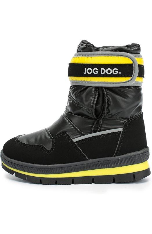 Текстильные сапоги с цветными вставками Jog DogСапоги<br>Черные сапоги на прочной многослойной подошве  с протектором вошли в коллекцию сезона осень-зима 2016 года. Модель с трехслойным утеплителем сшита из блестящего водоотталкивающего материала. Обувь фиксируется на ноге широким ремнем с застежкой велькро.<br><br>Российский размер RU: 26<br>Пол: Мужской<br>Возраст: Детский<br>Размер производителя vendor: 26<br>Материал: Подошва-резина: 100%; Текстиль: 100%; Стелька-текстиль: 100%;<br>Цвет: Черный
